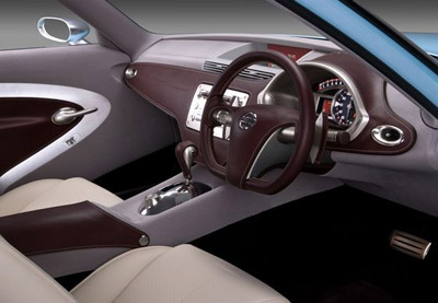 Nissan Foria coupe interior