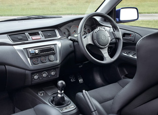 Mitsubishi Lancer Evolution IX FQ-360 interior