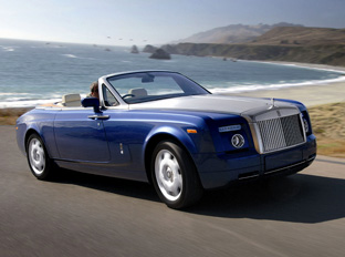 2008 Rolls-Royce Phantom Drophead Coupe driving