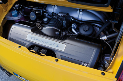 Porsche 911 Carrera 4 GTS engine