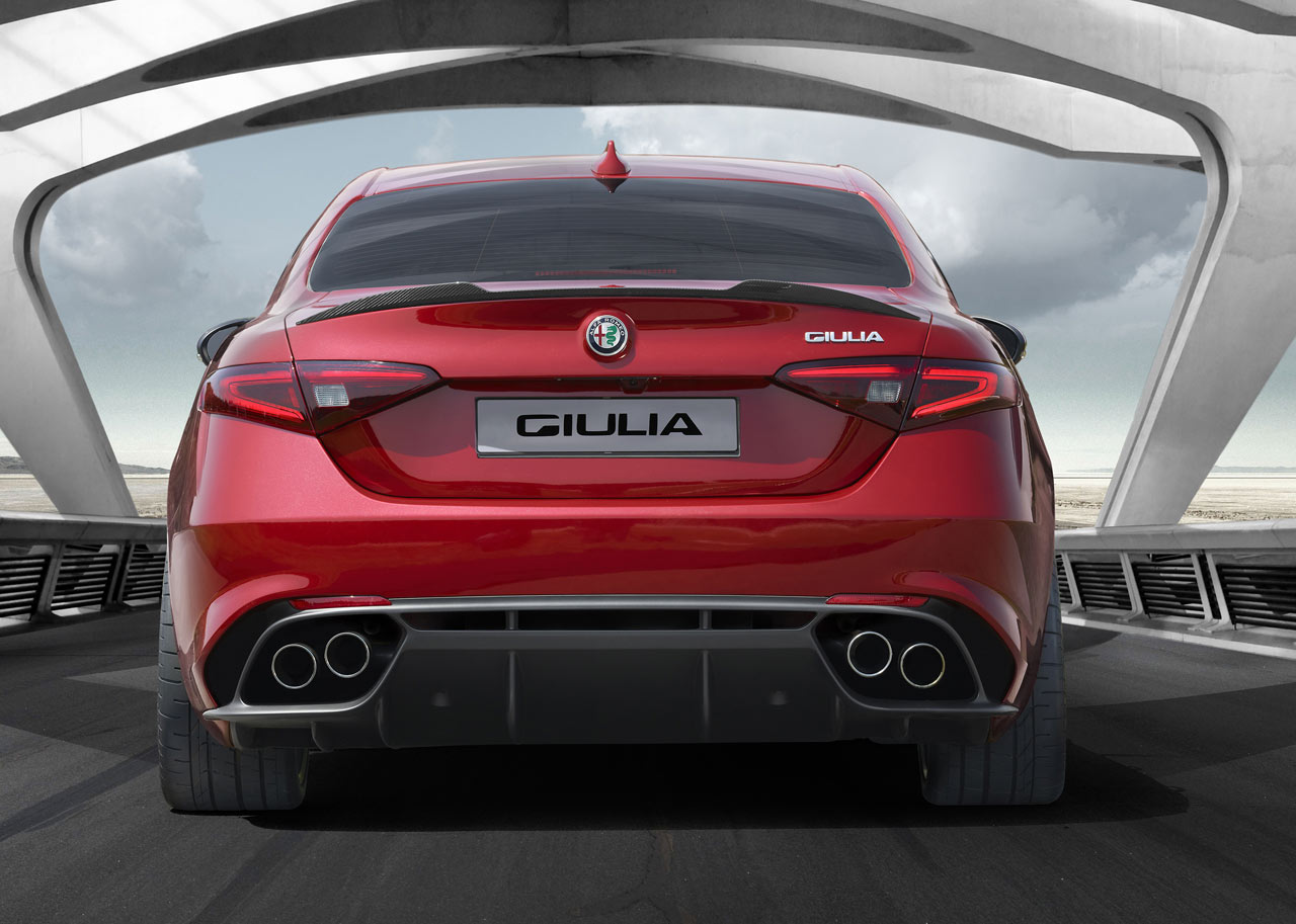 alfa romeo giulia quadrifoglio verde qv sports cars. Black Bedroom Furniture Sets. Home Design Ideas