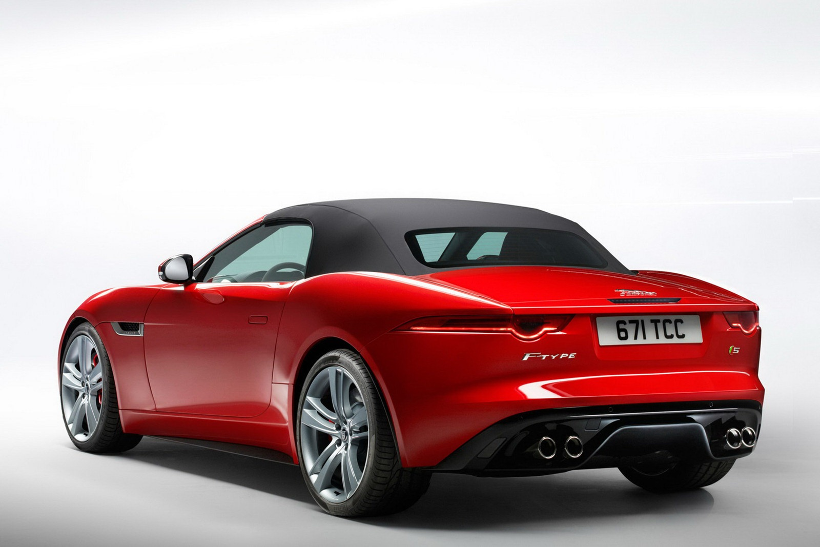 2013-Jaguar-F-Type-25.jpg