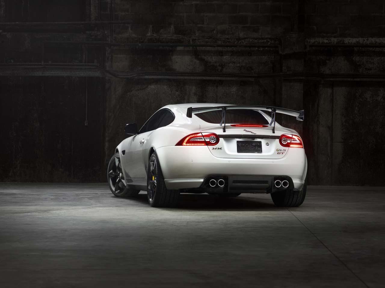 http://www.diseno-art.com/news_content/wp-content/uploads/2013/03/Jaguar-XKR-S-GT-5.jpg