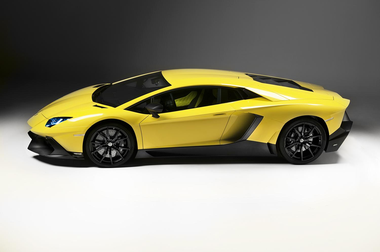 http://www.diseno-art.com/news_content/wp-content/uploads/2013/04/Lamborghini-Aventador-LP-720-4-50-Anniversario-3.jpg
