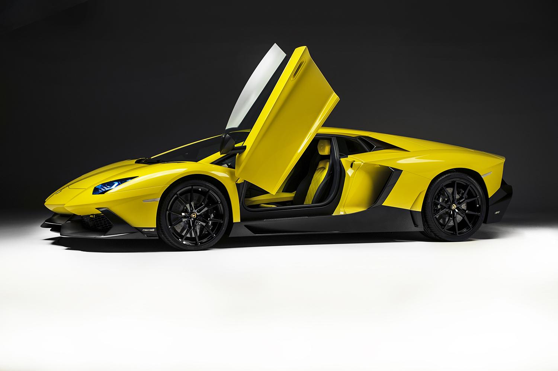 http://www.diseno-art.com/news_content/wp-content/uploads/2013/04/Lamborghini-Aventador-LP-720-4-50-Anniversario-4.jpg