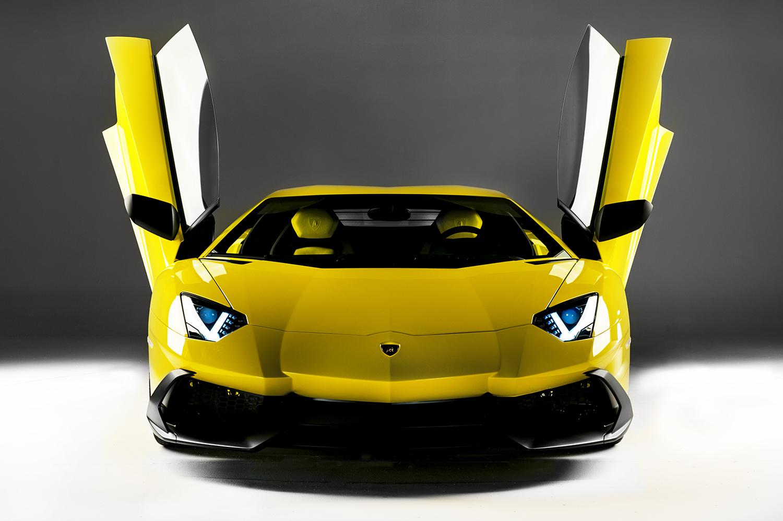 http://www.diseno-art.com/news_content/wp-content/uploads/2013/04/Lamborghini-Aventador-LP-720-4-50-Anniversario-6.jpg