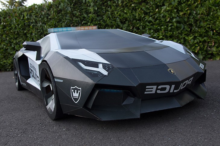 Lamborghini Aventador police car made from paper