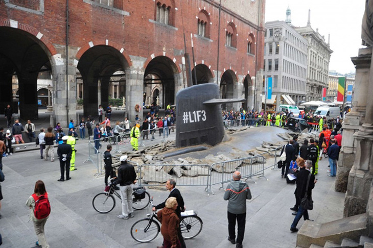"Submarine ""surfaces"" in Milan"