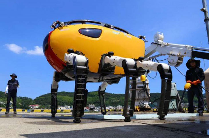 Crabster CR200 underwater walking robot