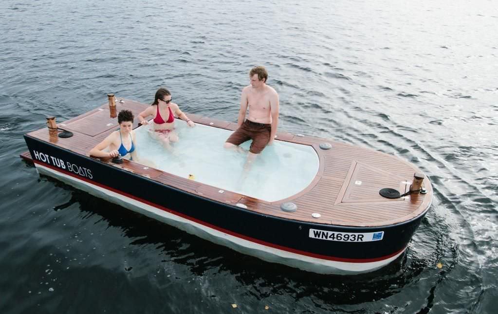 [Image: Hot-Tub-Boat-6.jpg]