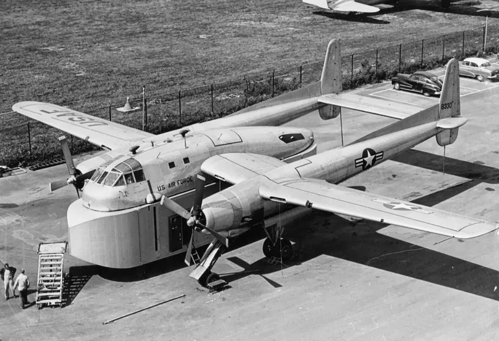 Strange Aircraft: Fairchild XC-120 Pack Plane