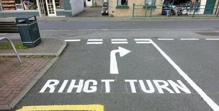 warsop 'rihgt' turn road sign